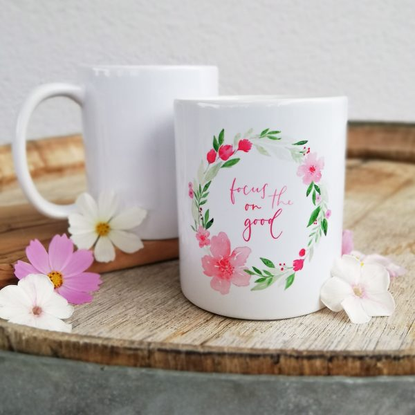 Bedruckter Kaffebecher mit Lettering-Motiv als besonderes Geschenk